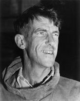 220px-Edmund_Hillary,_c._1953,_autograph_removed.jpg